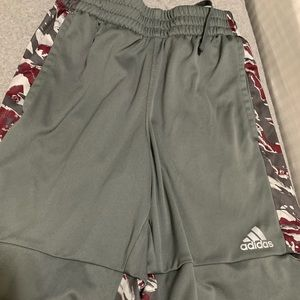 Adidas Grey And Camo basketball shorts